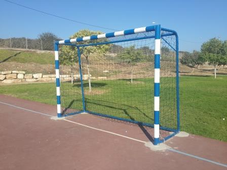 """רשתות קט רגל חדשות הותקנו במגרש הרב תכליתי בפארק """"אגדשא"""""""